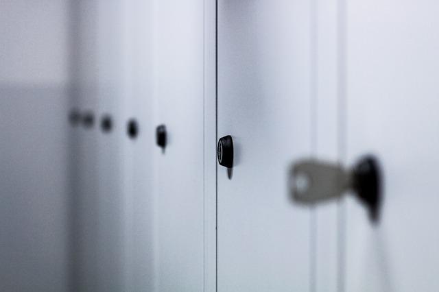 dveře skříněk