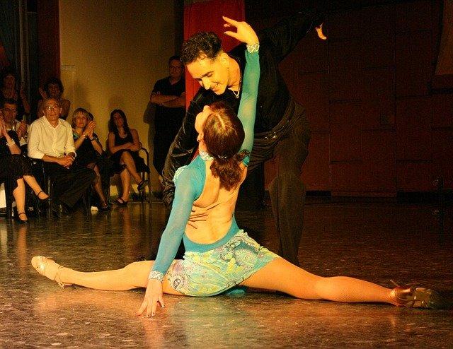 taneční pár.jpg