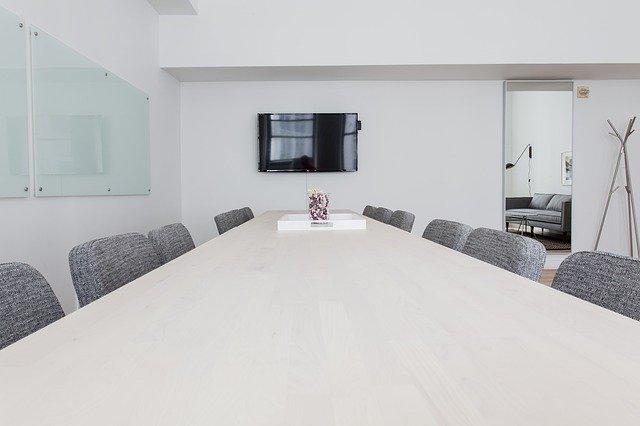 konferenční místnost s tv.jpg