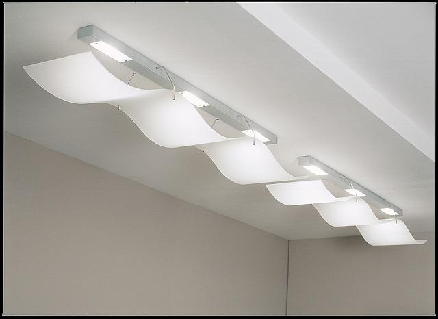 světlo v kanceláři
